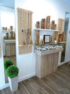ARMA BLU villefranche bijoux interieur magasin