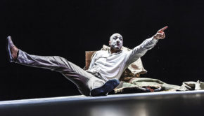Theatre villefranche Une Etoile pour Noel Jean Louis Fernandez